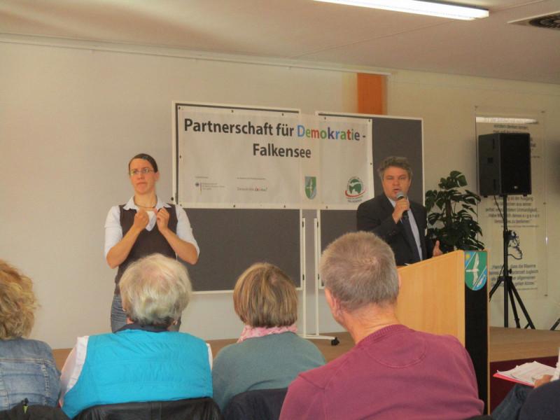 Thomas Heppener auf der Demokratiekonferenz 2015 in Falkensee
