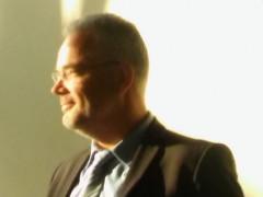 """Marcus Nierth bei seiner Lesung aus dem Buch """"Brandgefährlich"""""""